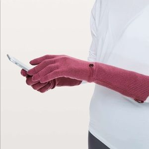 Lululemon scroll on knit gloves Misty Merlot